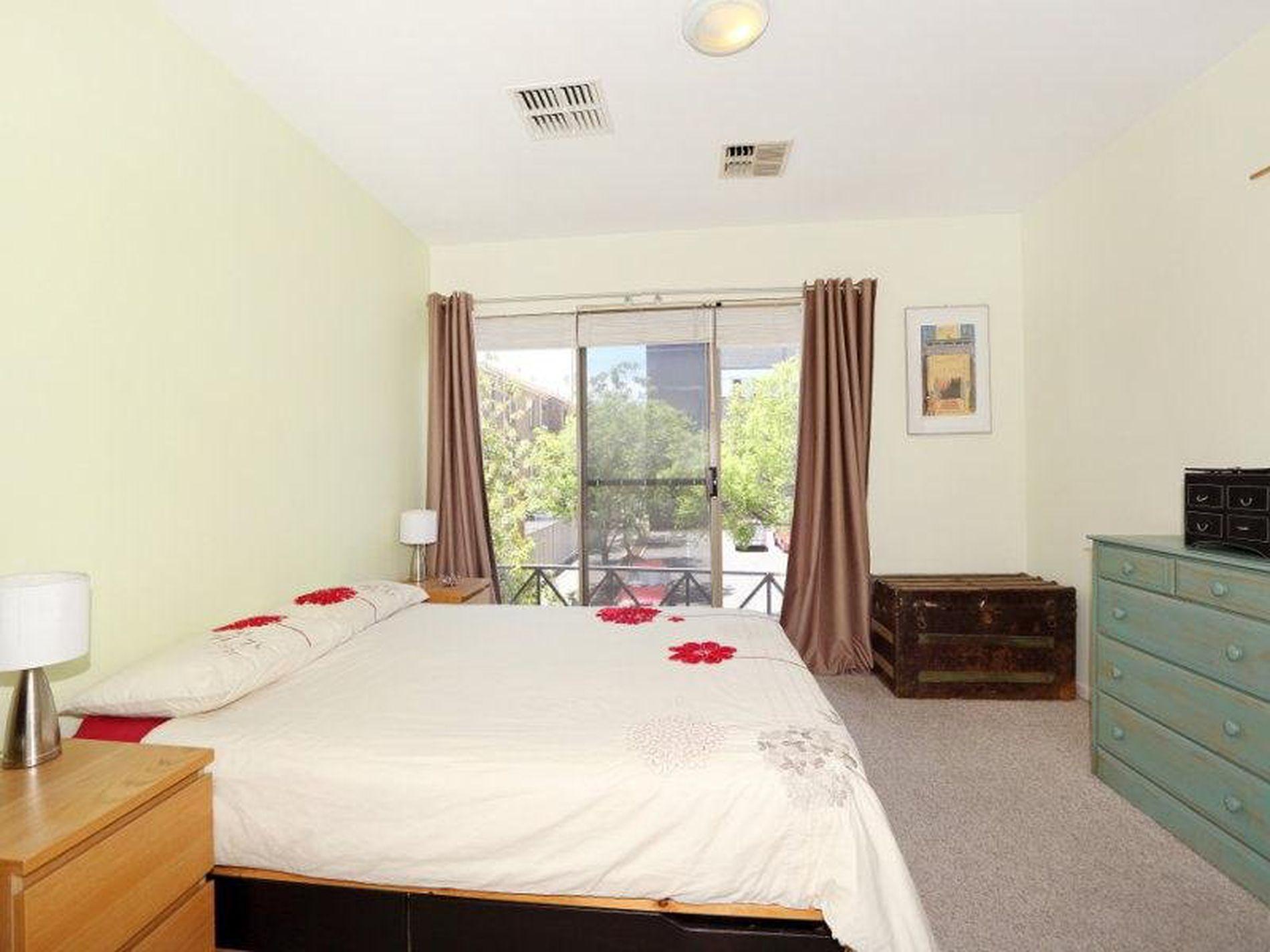 27 Adelaide, Adelaide