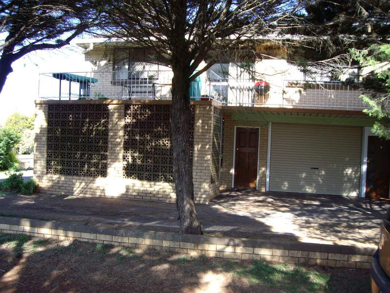 2 / 52 Cortess Street, Toowoomba