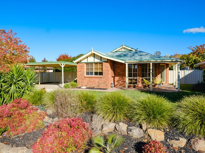 35 NIGHTINGALE AVENUE, Wodonga
