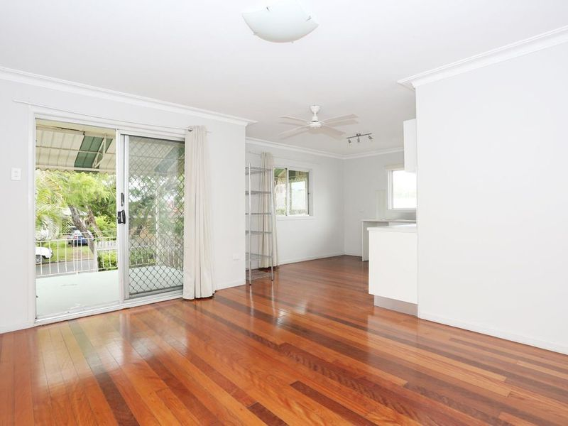 1 / 34 Livermore Street, Redcliffe