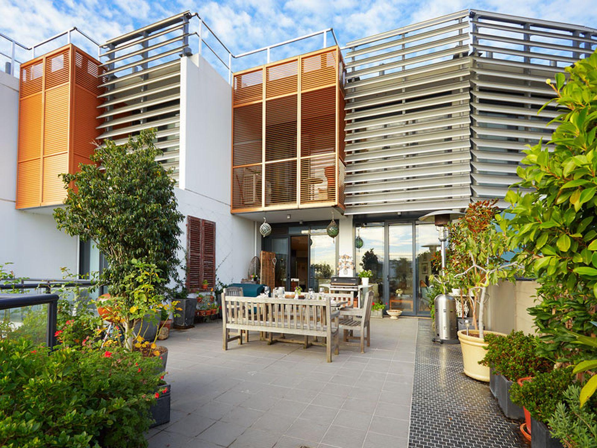 Penthouse / 539 St Kilda Road, Melbourne