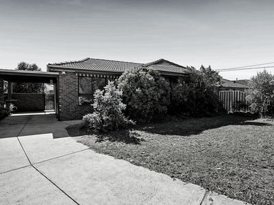 18 Cambridge Crescent, Werribee