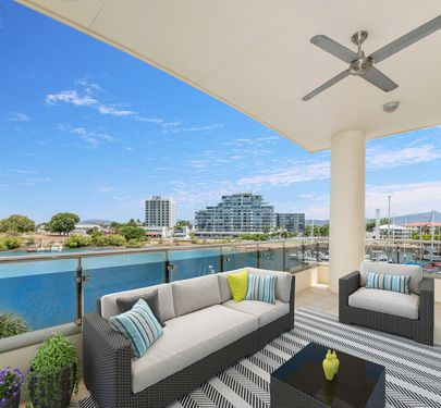 26 / 1 The Strand, Townsville City
