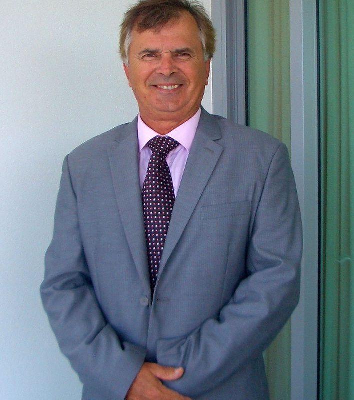 Dennis Mackenzie