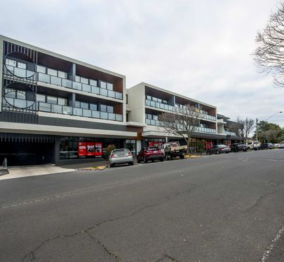 206 / 11 Glass Street, Essendon