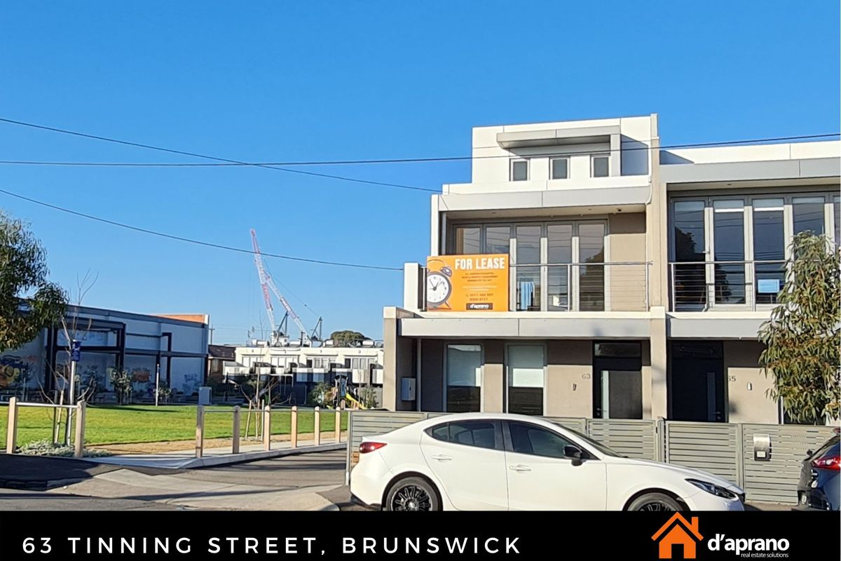 Premium Tri Level townhouse walking distance to Moreland train station, Sydney Road Tram and shops.