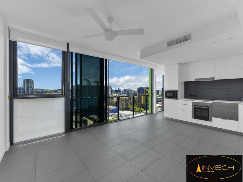 2001 / 10 Trinity Street, Fortitude Valley