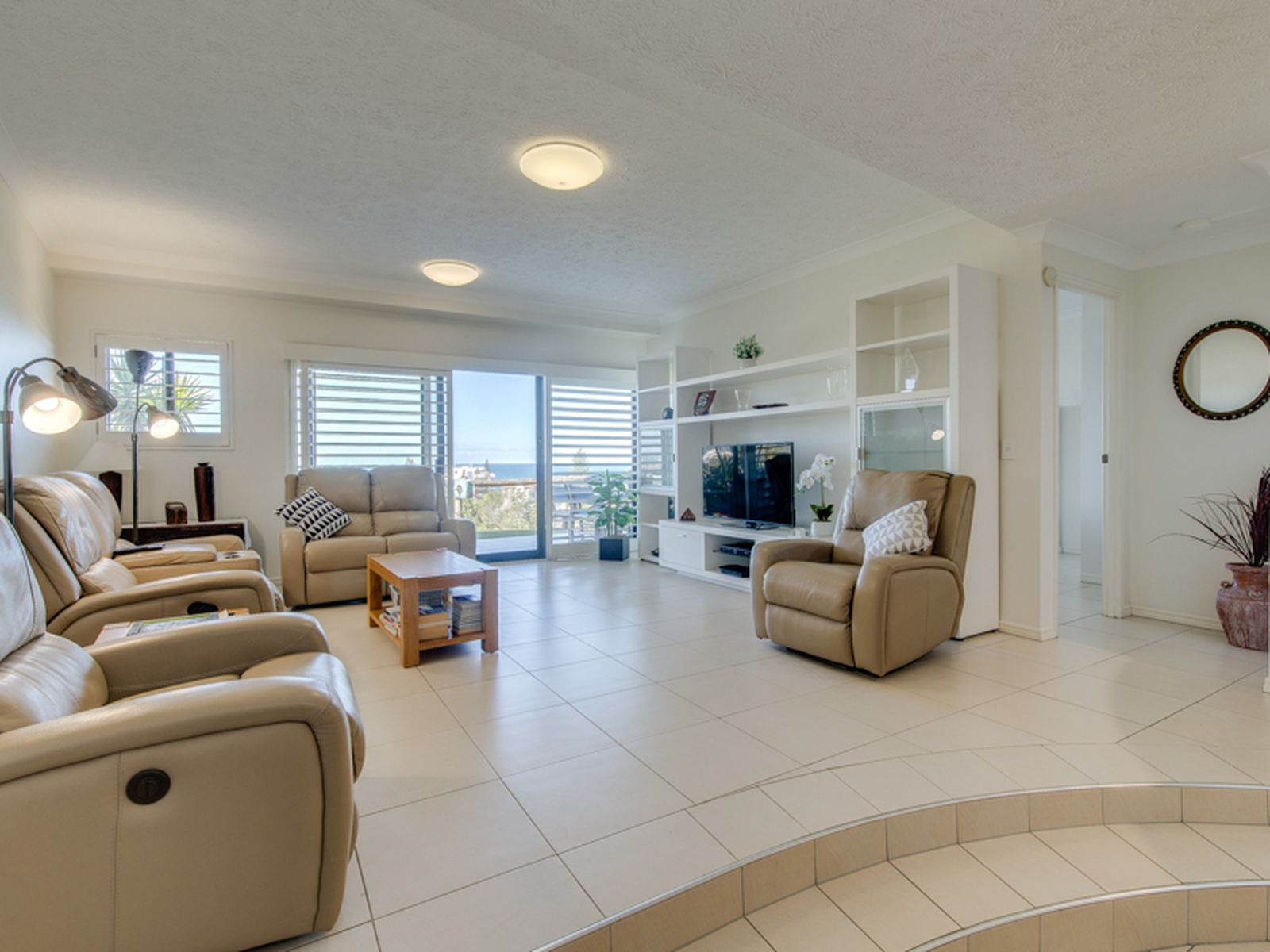 A10 / 1 GREAT HALL DRIVE, Miami