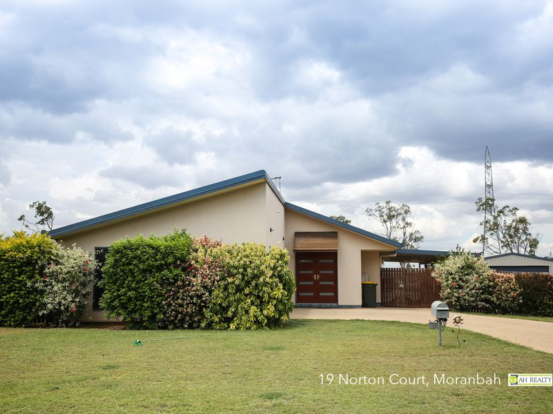 19 Norton Court, Moranbah