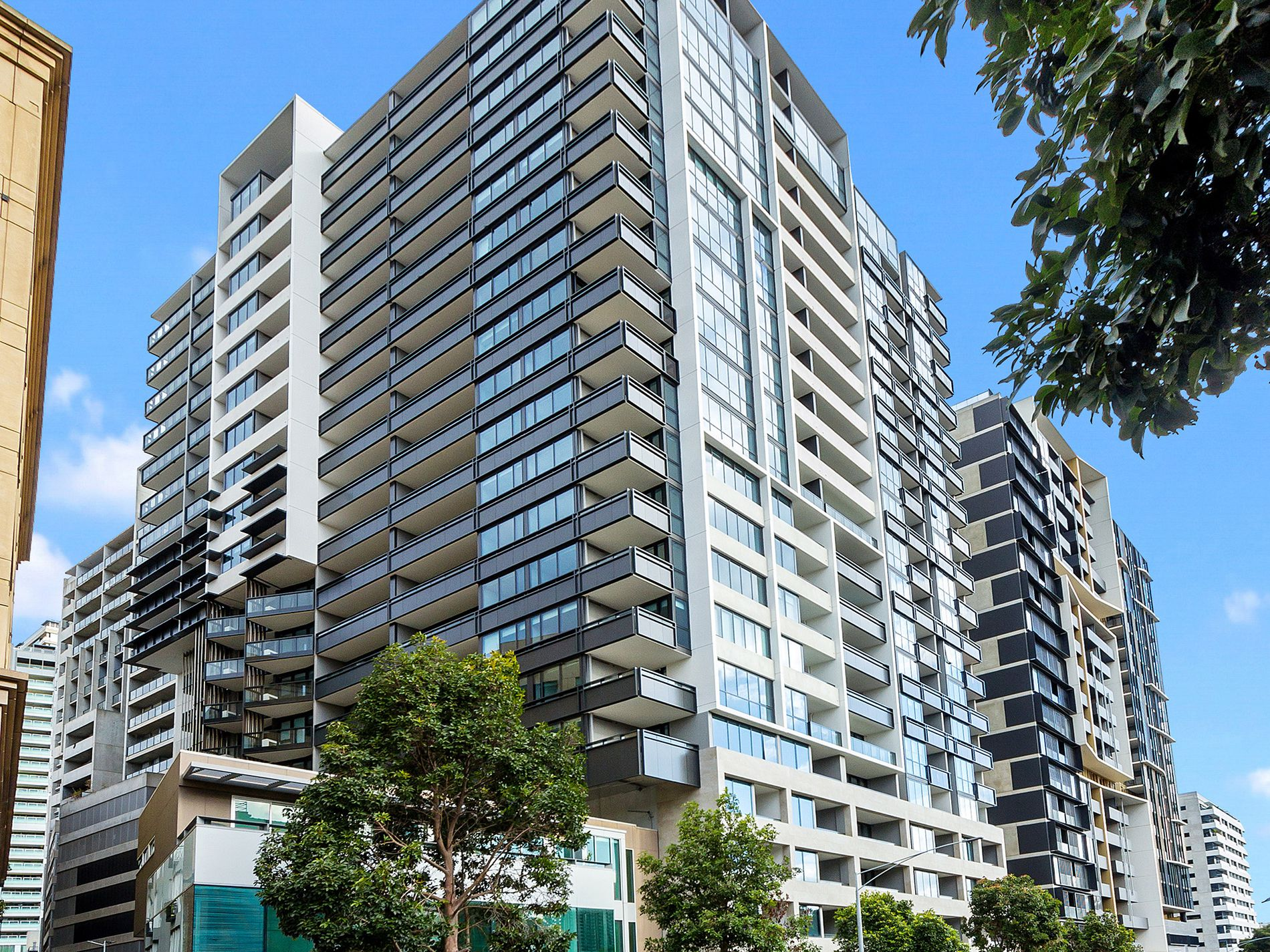 1008 / 25 Coventry Street, Southbank