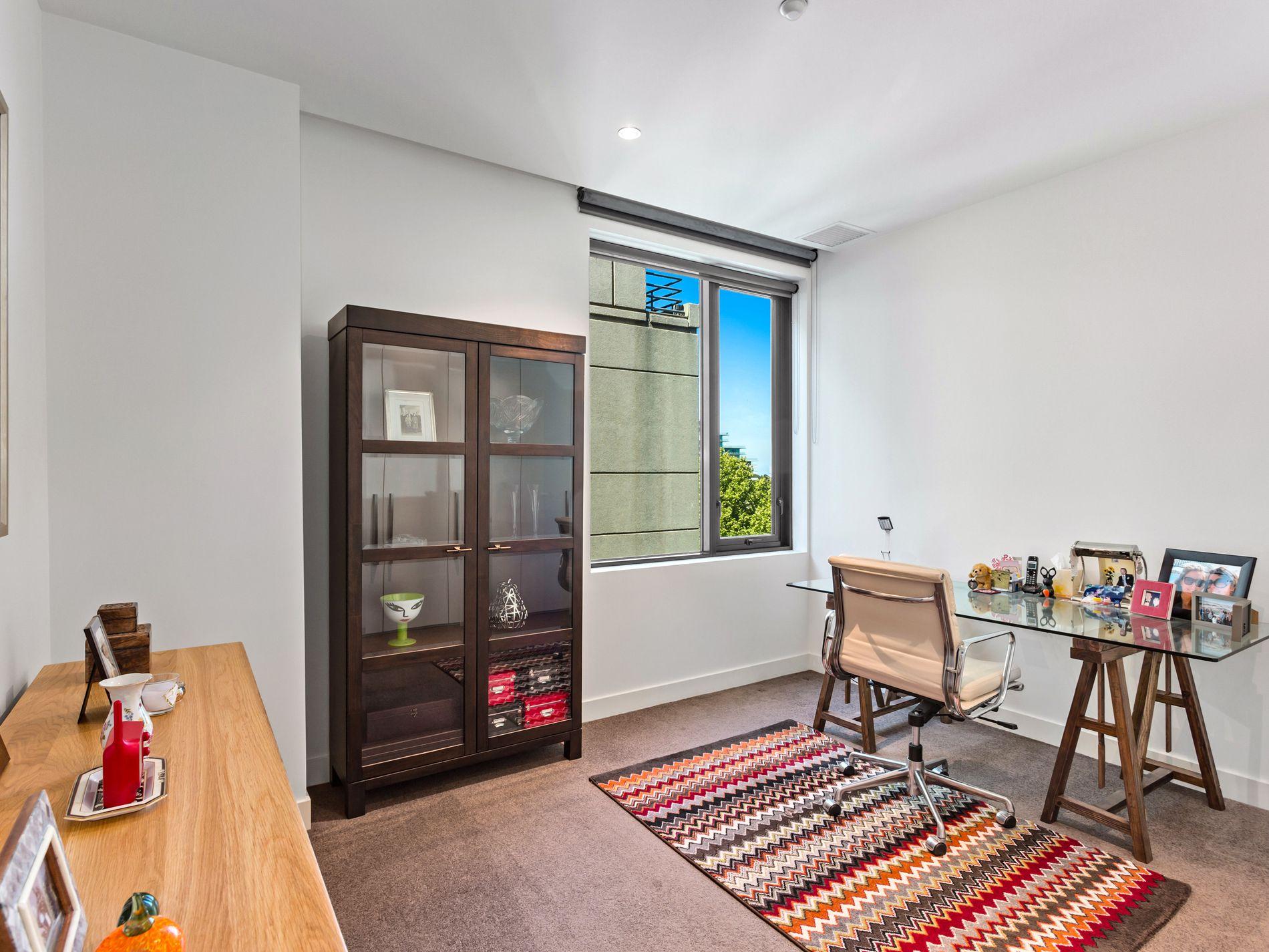 502 / 505 St Kilda Road, Melbourne
