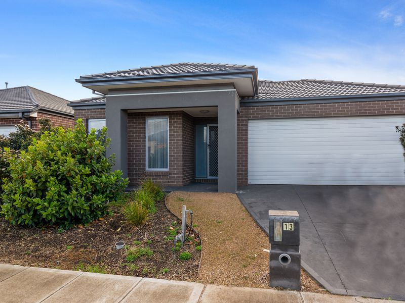 13 Ostend Crescent, Point Cook