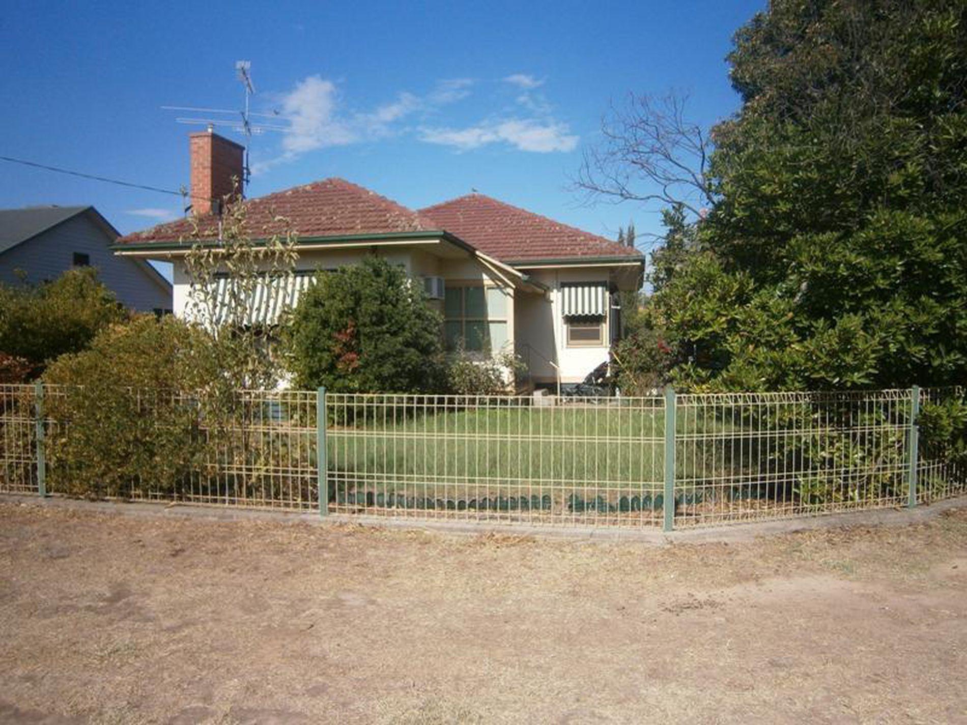 13 Silverwood Grove, Wangaratta