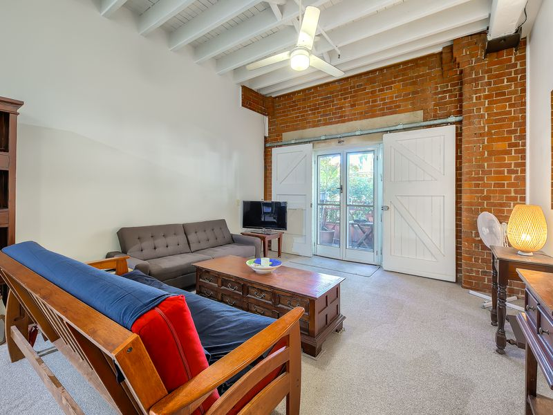 One Bed Furnished Heritage Woolstore / 53 Vernon Terrace, Teneriffe