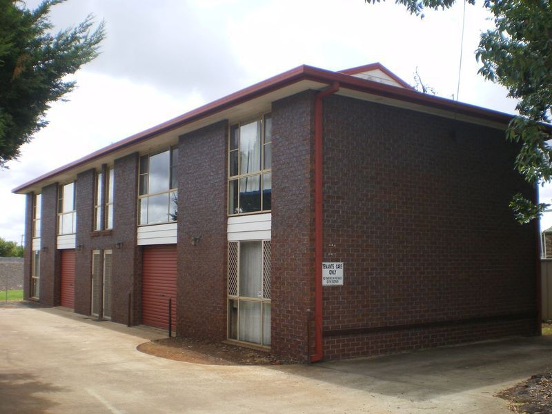 1 / 241 Long Street, South Toowoomba