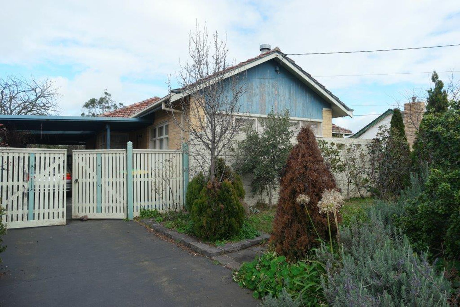 13 Laurence Avenue, Airport West