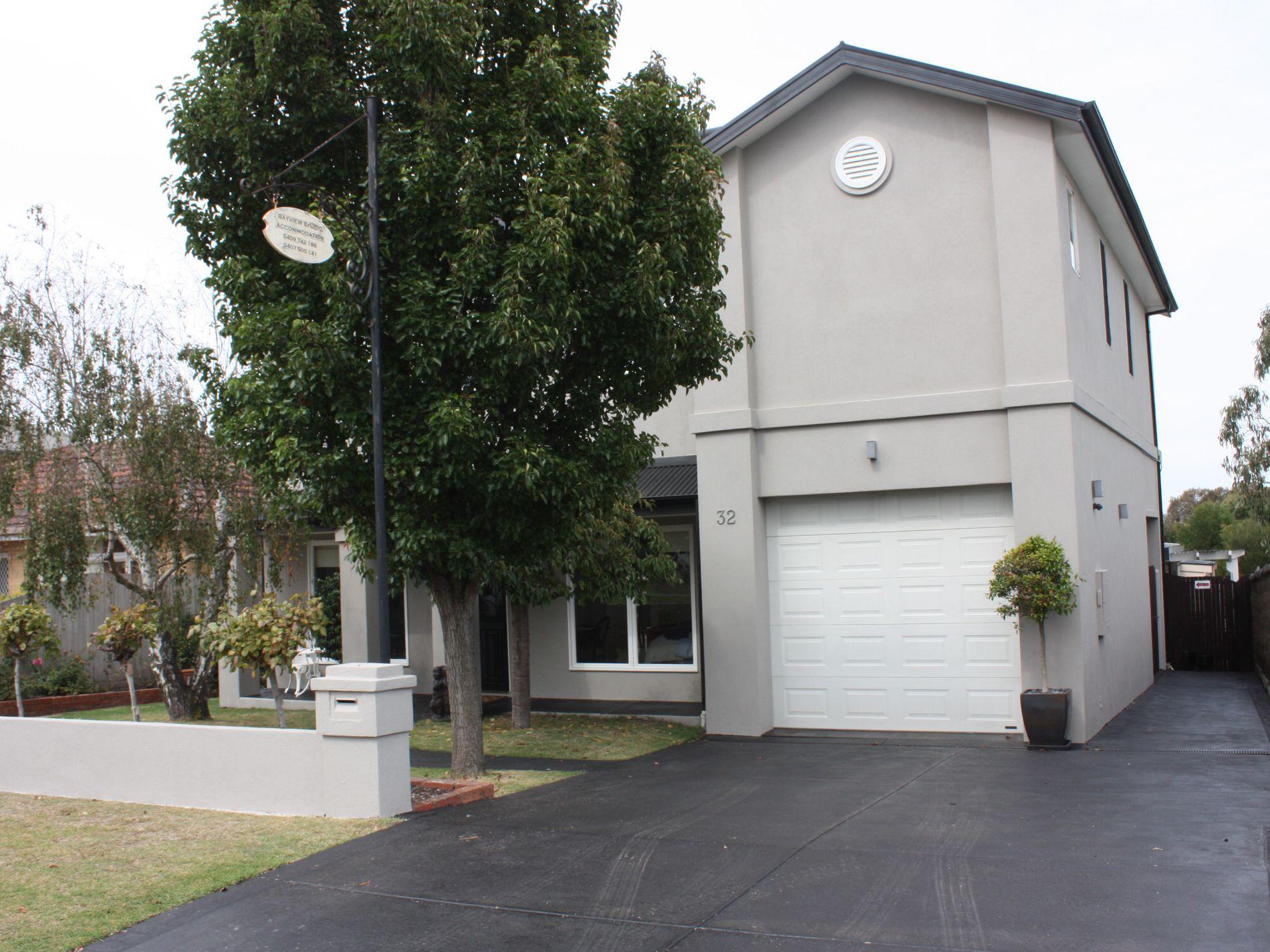 32 Bayview Avenue, Inverloch