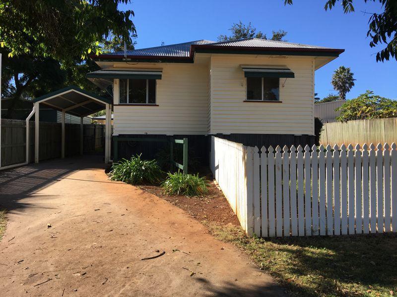 8 Peel Street, South Toowoomba