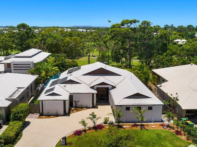 8 Lakeside Drive, Peregian Springs