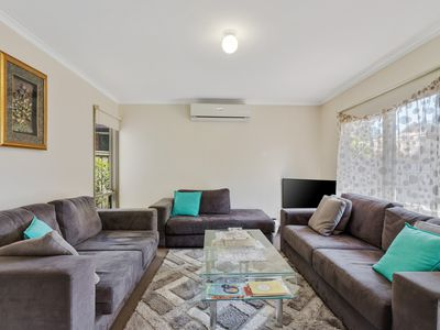 2 / 95 Songlark Crescent, Werribee