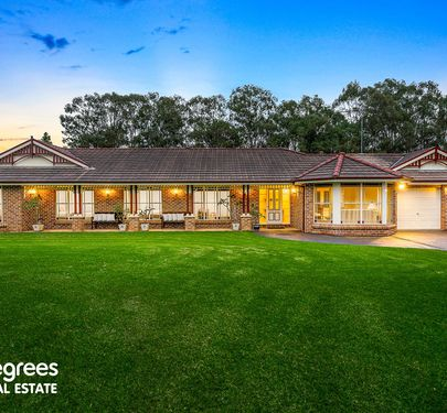 3 Sweetwater Grove, Orchard Hills