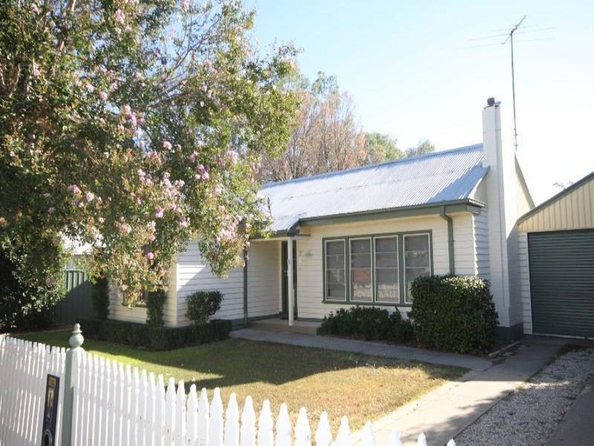 4 Graham Avenue, Wangaratta