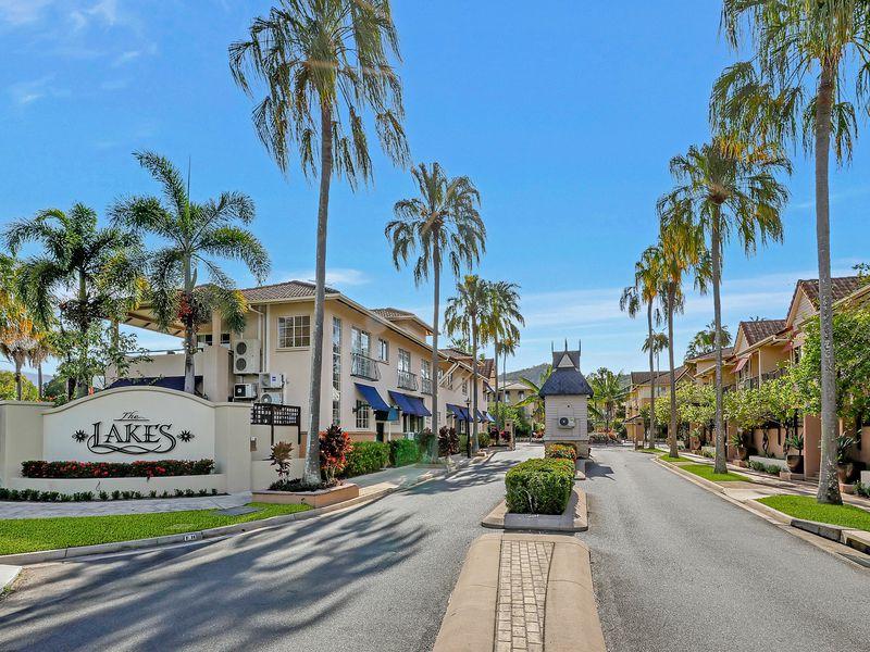 1014 / 2 Greenslopes Street, Cairns North
