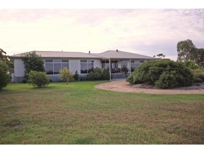 100 Rivermouth Road, Eagle Point
