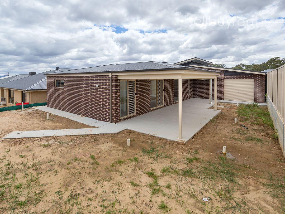 37 DARTNELL CRESCENT, Wodonga