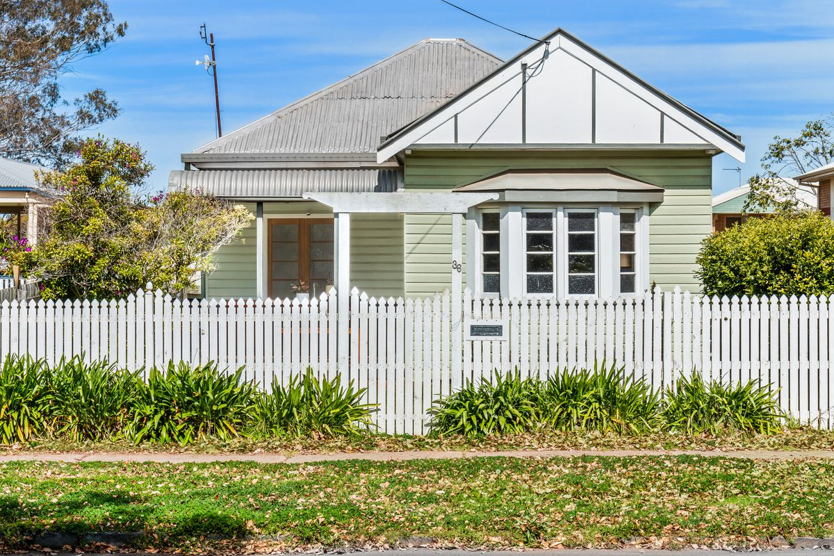 Superb Inner City Lifestyle  2 Bay Shed   1,012m²