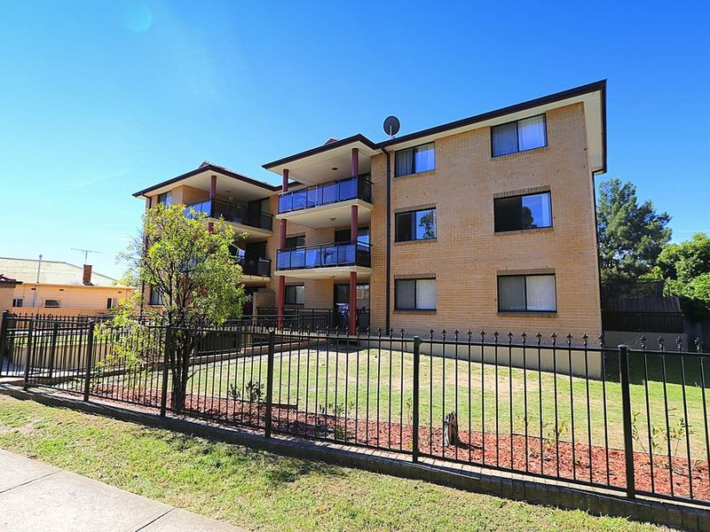 7 / 7 Chertsey Avenue, Bankstown