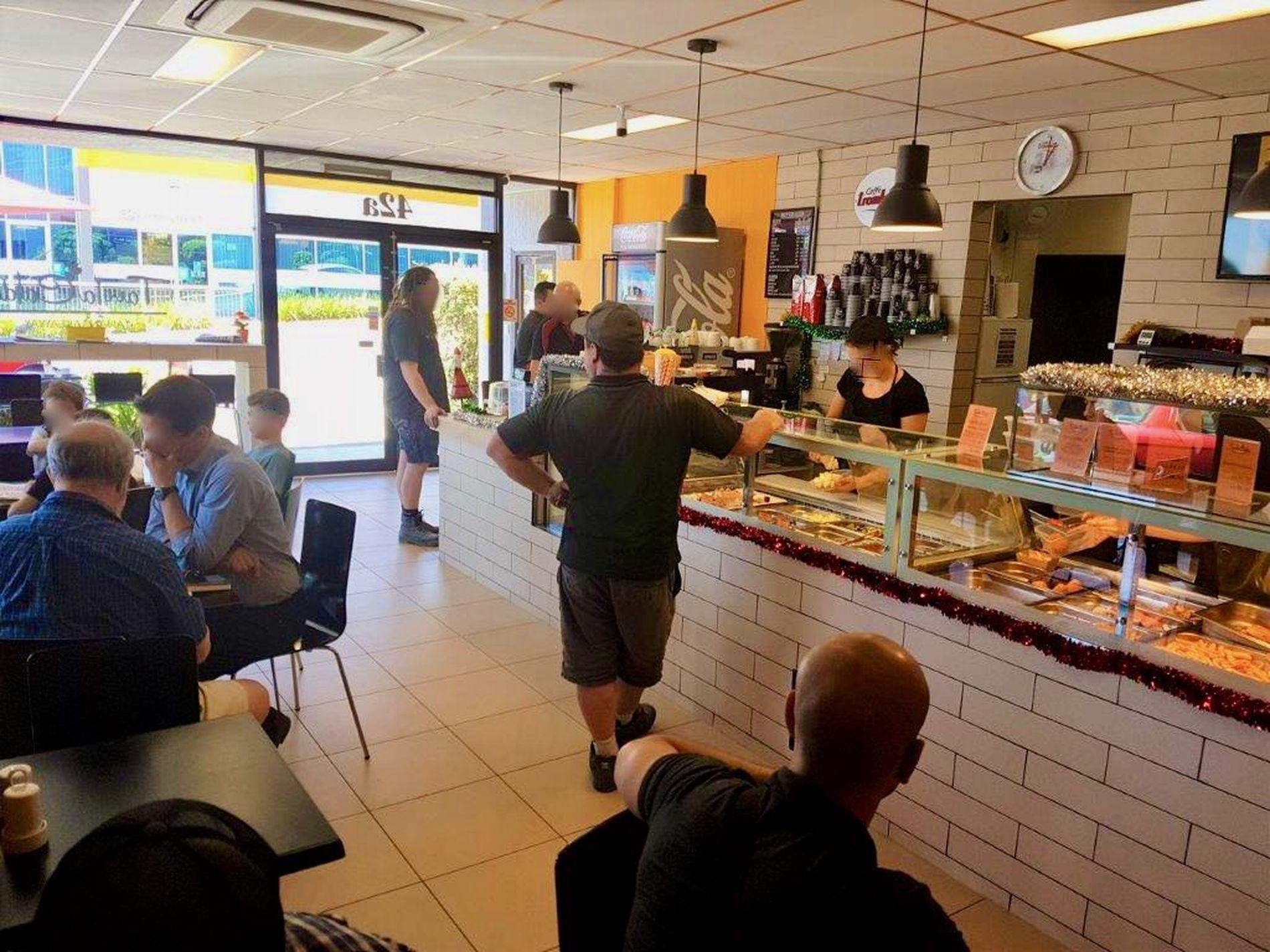 Industrial Takeaway & Cafe in Ringwood for Sale