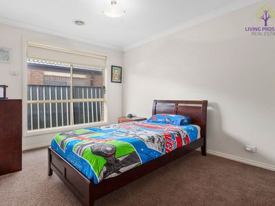 15 Astley Crescent, Point Cook