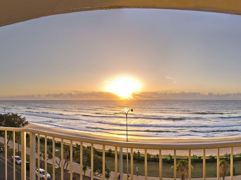 142 The Esplanade, Surfers Paradise