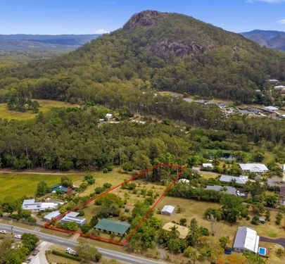 168 Coonowrin Road, Glass House Mountains