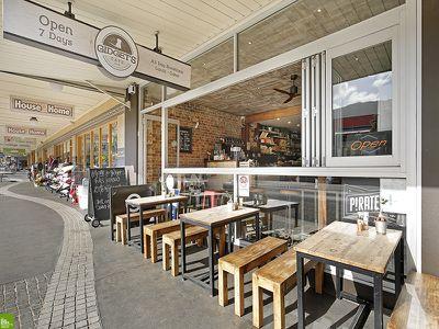 Gidget's Cafe - Stylish Licensed Cafe