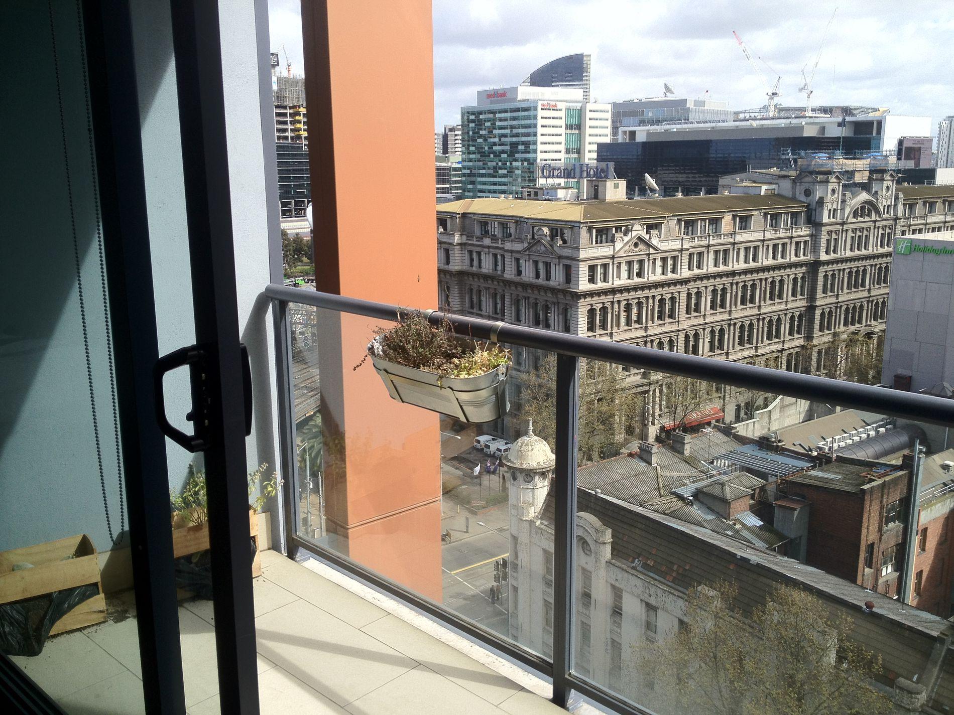 1310 / 565 Flinders Street, Melbourne