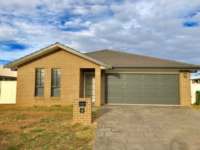 5 Carnegie Place, Tamworth