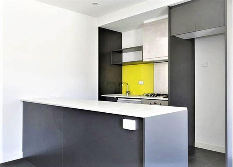 8 Greenham Place, Footscray