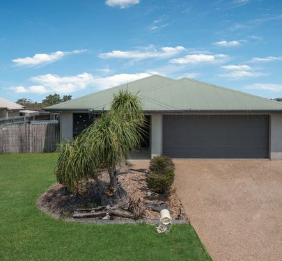 12 Newbury Drive, Mount Low