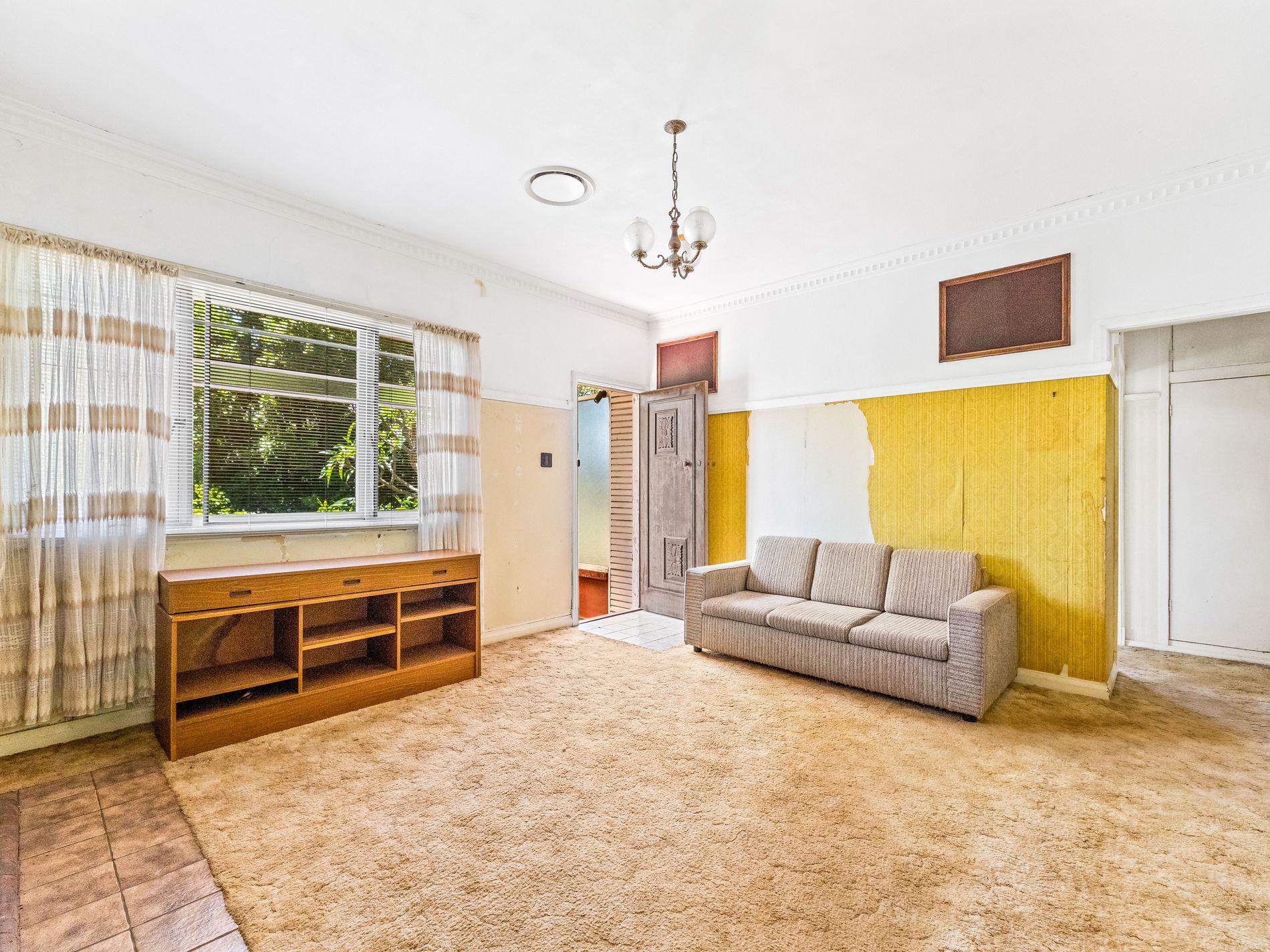 23 Ramsay Street, South Toowoomba