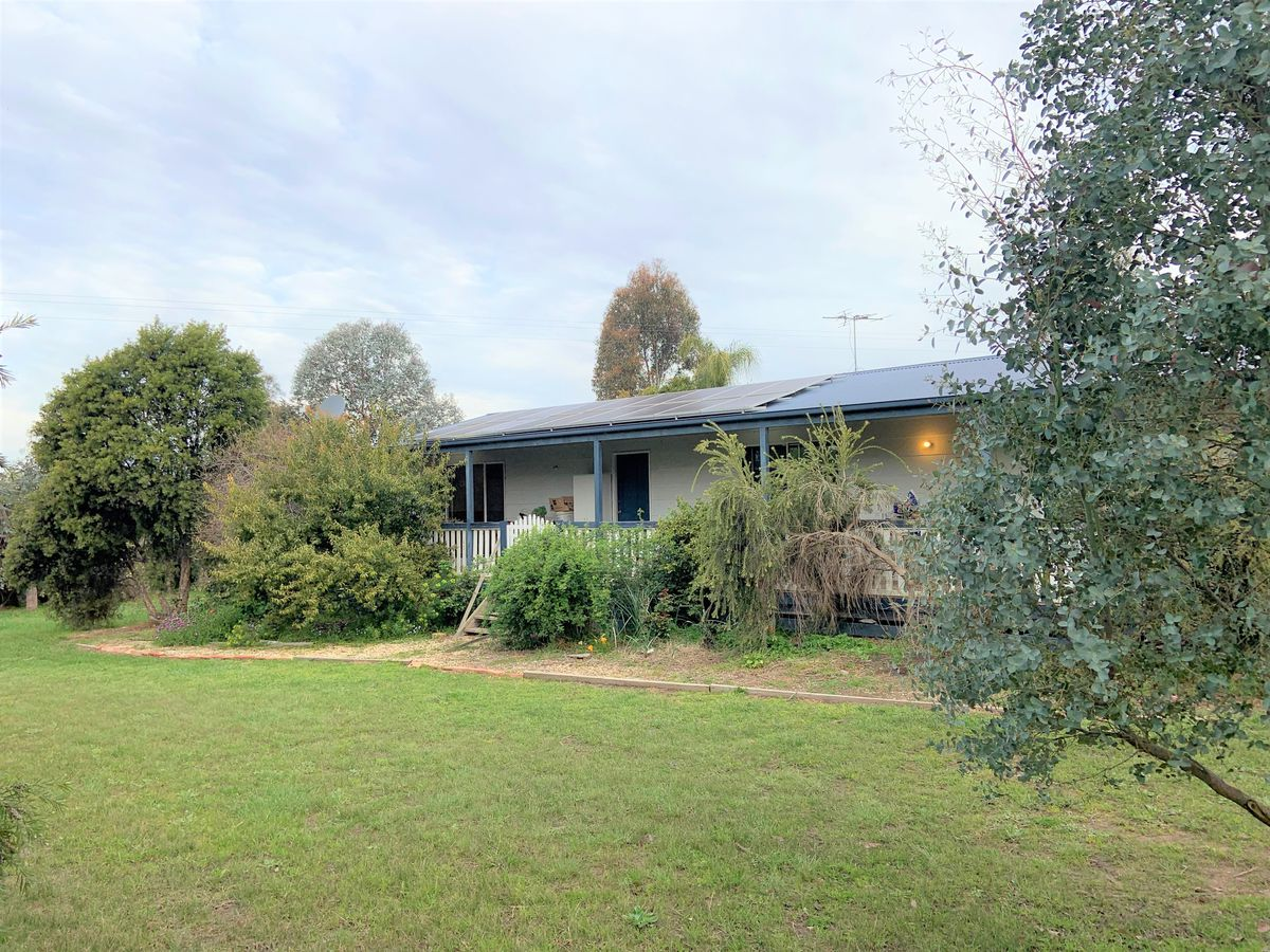 21 Lakeside Drive, Chesney Vale