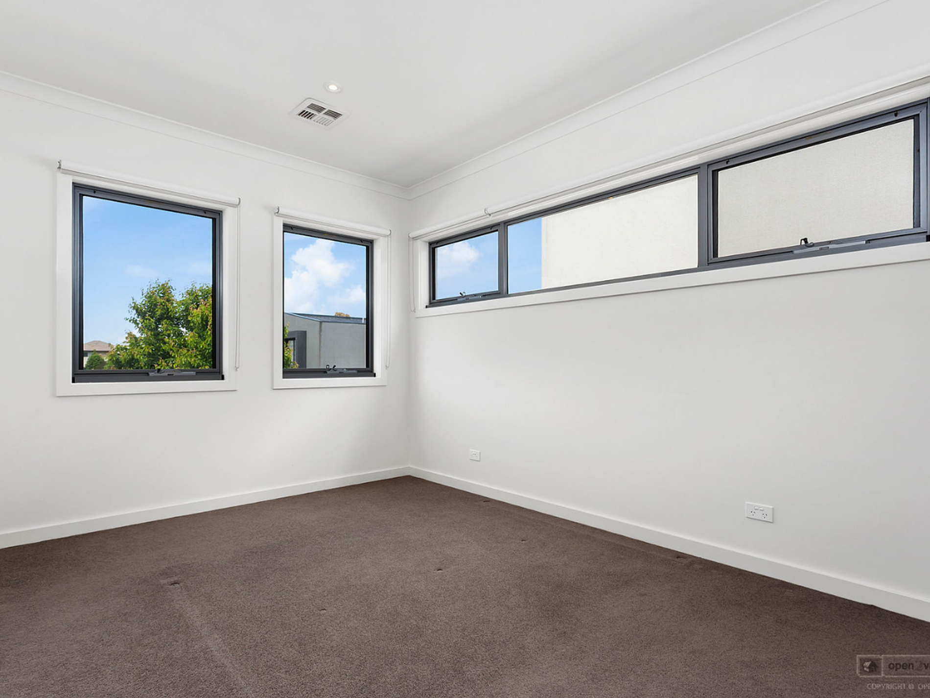 15 CHARLOTTES WAY, Forest Hill