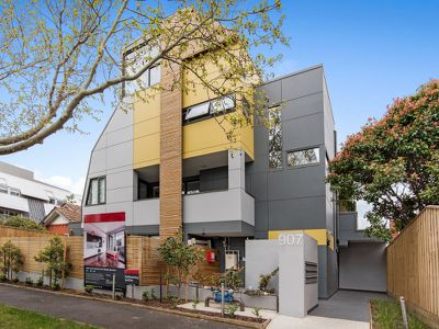 206 / 907 Dandenong Road, Malvern East