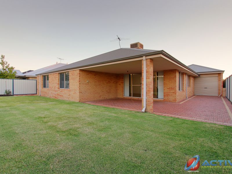 12 Sequin Close, Meadow Springs