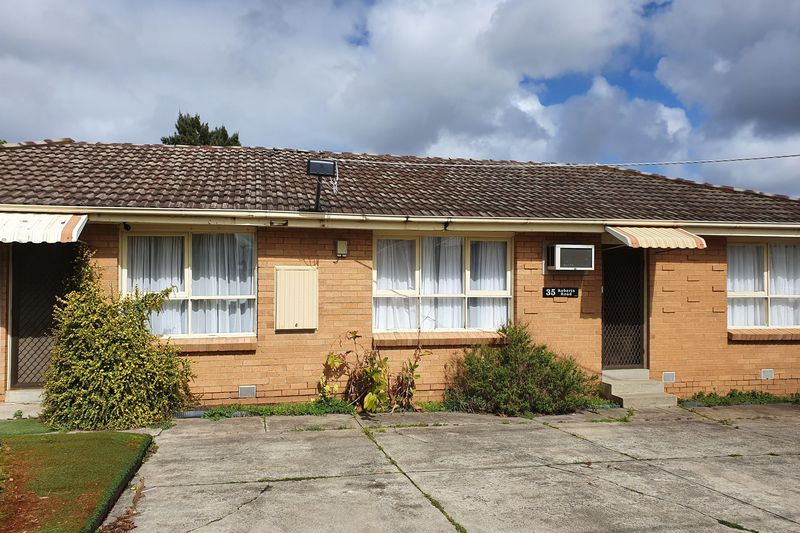 35 Roberts Road, Airport West