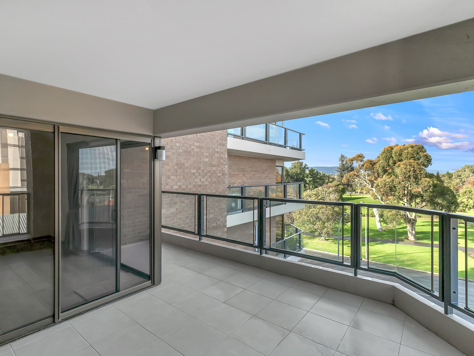 4A / 100 South Terrace, Adelaide