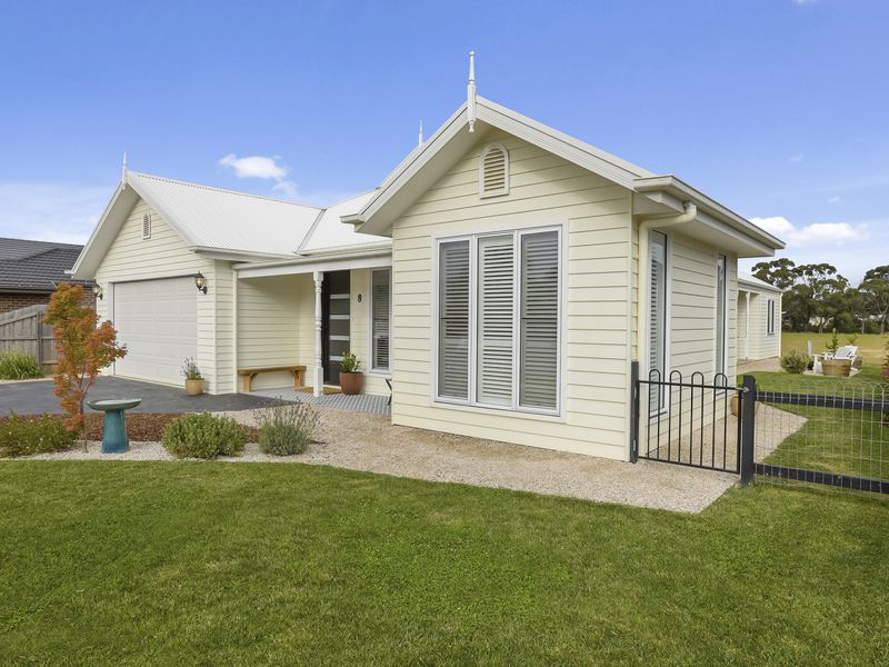 8 Sproule Place, Woodend