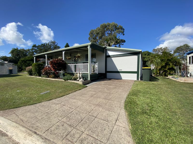 9 Palm Avenue / 14 Ibis Boulevard, Eli Waters
