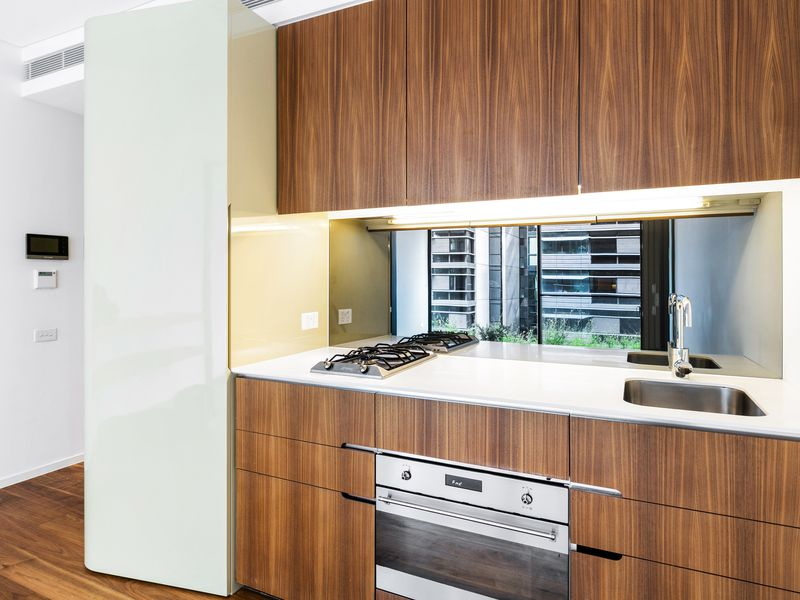 611 / 2 Chippendale Way, Chippendale